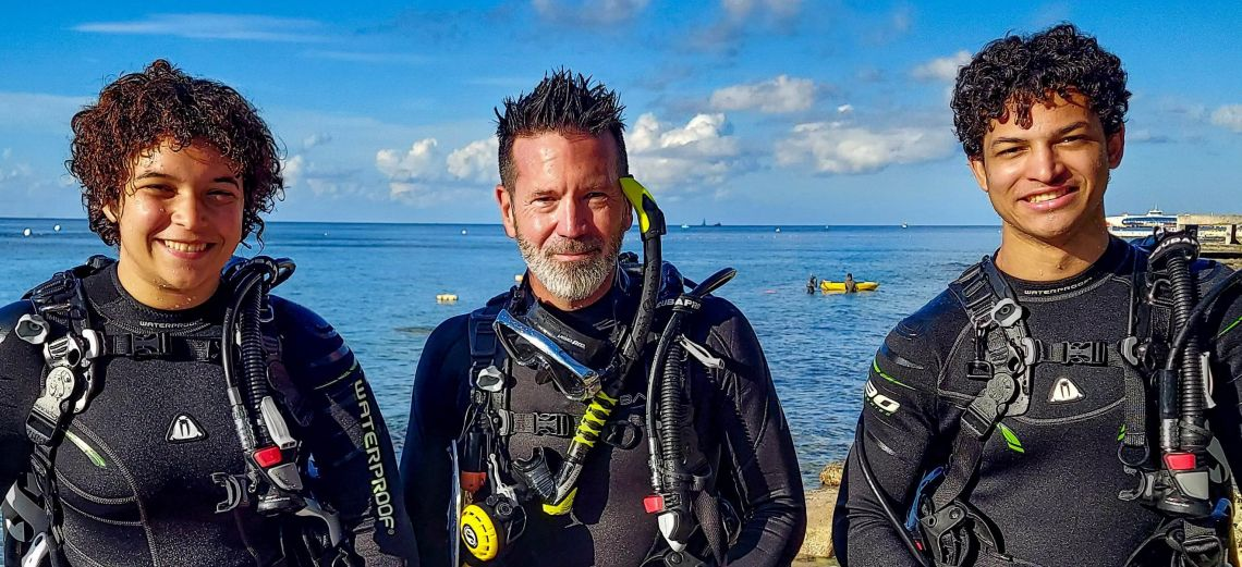Become a PADI Divemaster with Cozumel Dive Academy